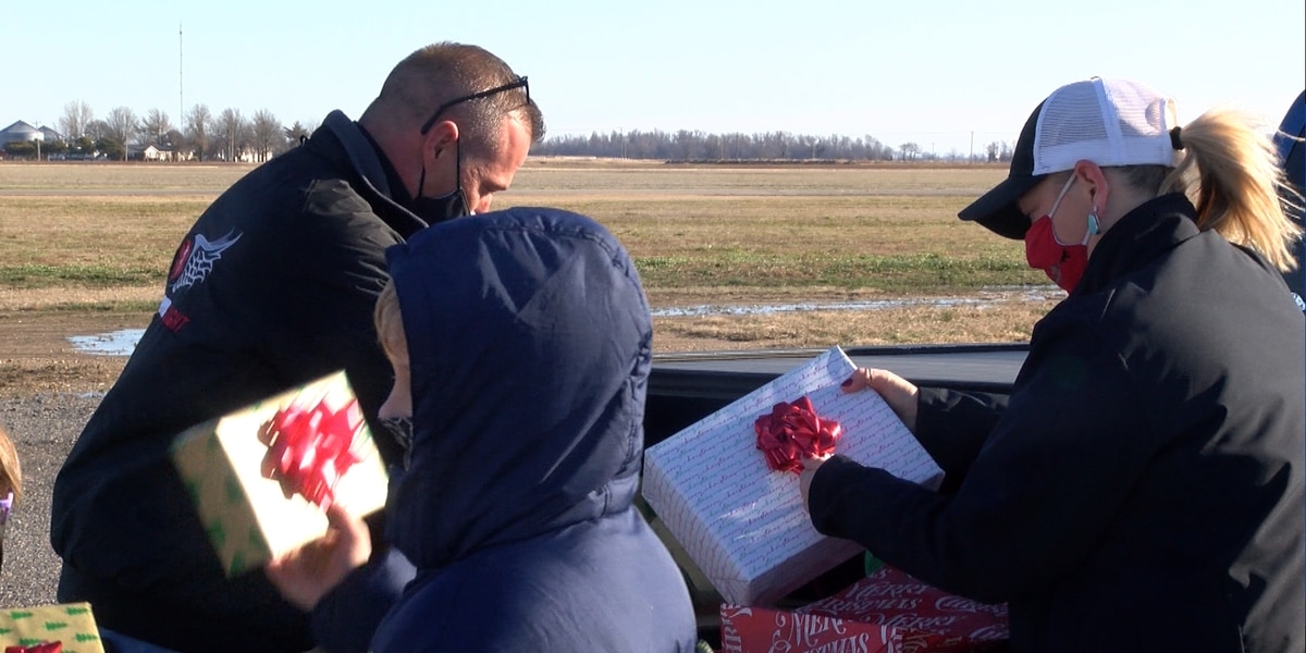 Survival Flight 2 delivers Christmas gifts to family in Gideon