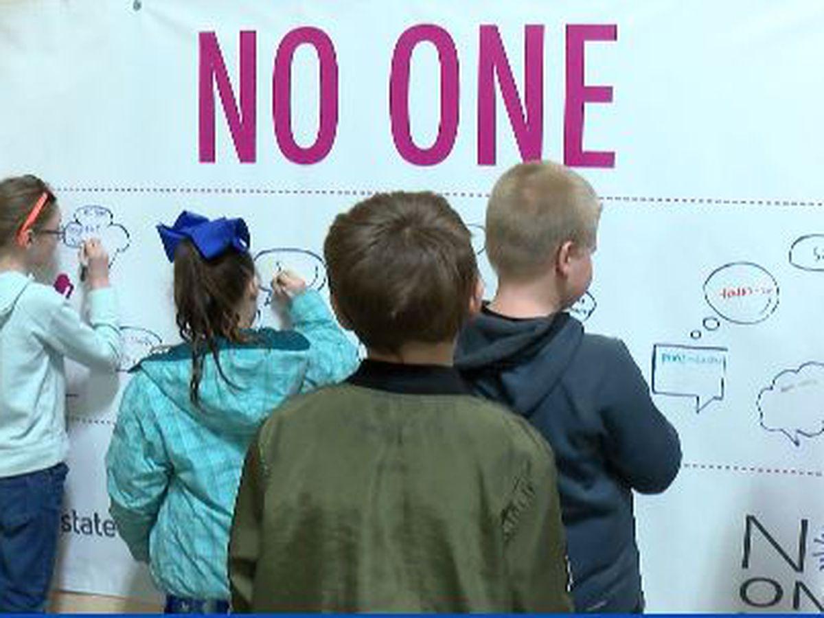 Scott County, Mo. student pledge 'No One Eats Alone'